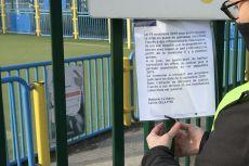 Panneaux installés sans autorisation au City Stade